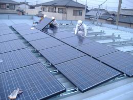 折板屋根の上へ 5.36kw